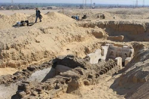 Scoperta la tomba del faraone Senebkay