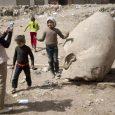 Gli archeologi egiziani hanno rinvenuto al Cairo una grande statua in quarzite. Il monumento è alto otto metri e raffigura il faraone Ramses II, che regnò dal 1279 al 1212 […]
