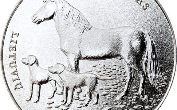 La Lituania celebra i suoi cani e cavalli autoctoni